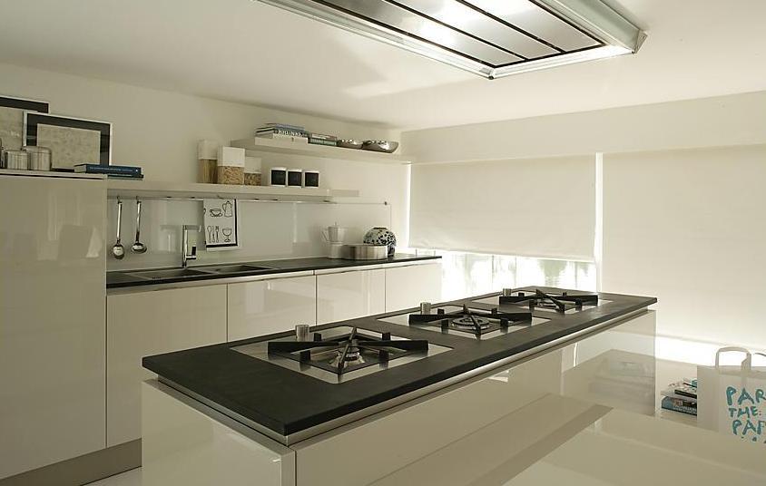 Tulipano la cucina di SPESSORE di Veneta Cucine | Non solo ...