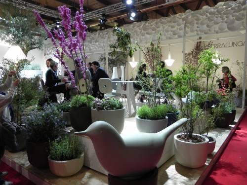 serralunga, serralunga arredo giardino, arredo terrazzi, luci da esterno, vasi luminosi, lampade, sedie giardino,
