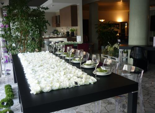 Consolle p300 riflessi il regalo ideale per natale 2011 for Riflessi tavoli allungabili