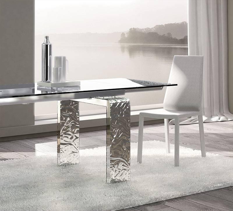 Tavolo allungabile mito di riflessi dal carattere forte for Tavoli di design in cristallo