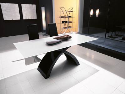 Tavolo cristallo archives non solo mobili cucina - Tavolo in vetro nero ...