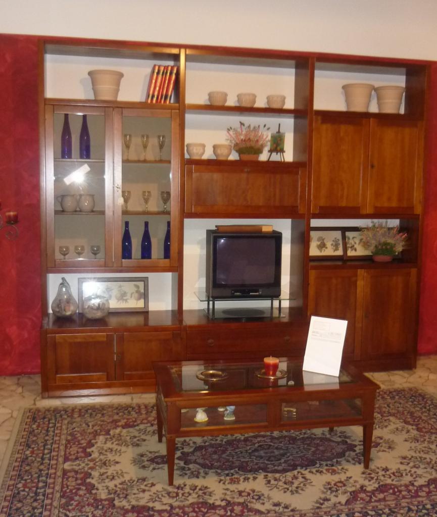 Sconto 50 su soggiorno arte povera in legno massello - Mobili soggiorno legno massello ...