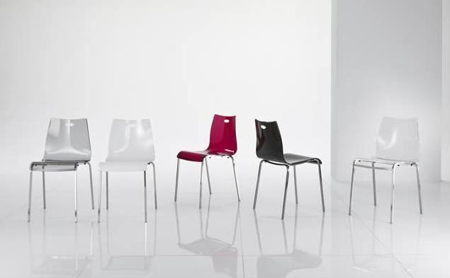 Sedia mya in metacrilato by riflessi ideale per soggiorno for Sedie per salone