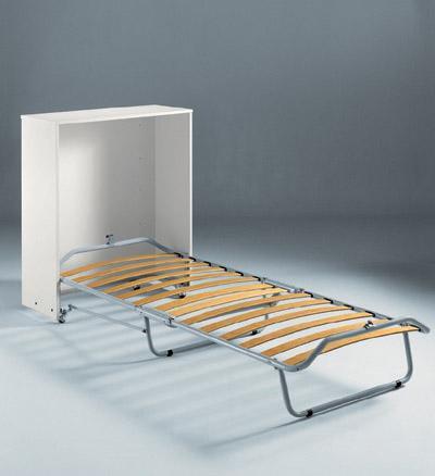grande e vecchio Paggetto .. il letto pieghevole che ci accompagna ...