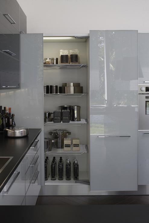 Sfruttare gli angoli della cucina si puo ecco le - Mobili per angoli ...