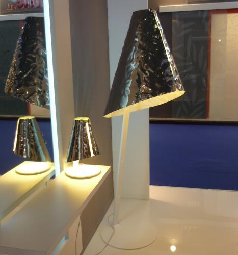 Da riflessi una nuova idea lampada in alluminio for Repliche mobili design