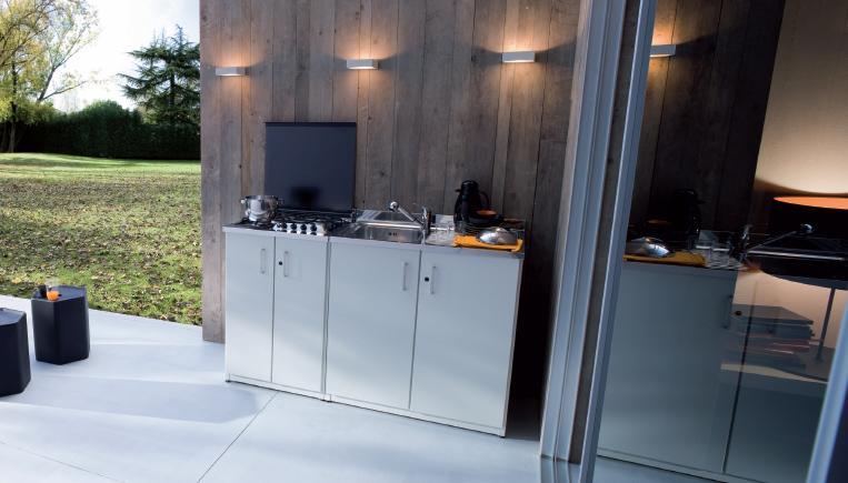 Piccola pratica e funzionale cucina da esterno o per piccoli appartamenti non solo mobili - Cucine da esterno ikea ...