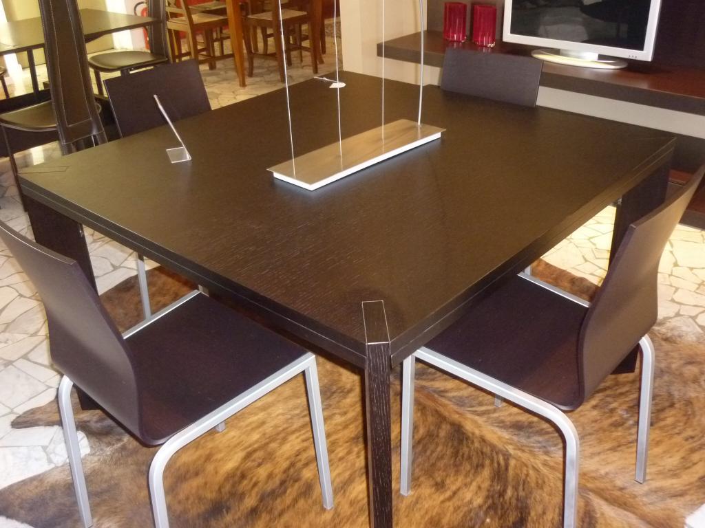 Sconto 50 su tavolo quadrato allungabile prodotto da lago for Tavolo lago