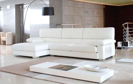 Il divano con chaise longue o penisola un idea per for Divani moderni con chaise longue